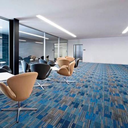 Ejemplo de pavimento textil en una oficina